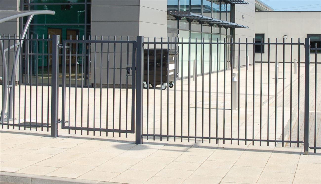 Tubular railings - Steelcraft